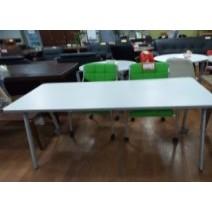 화이트 테이블